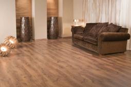 Comparing Luxury Vinyl Tiles vs. Laminate Flooring