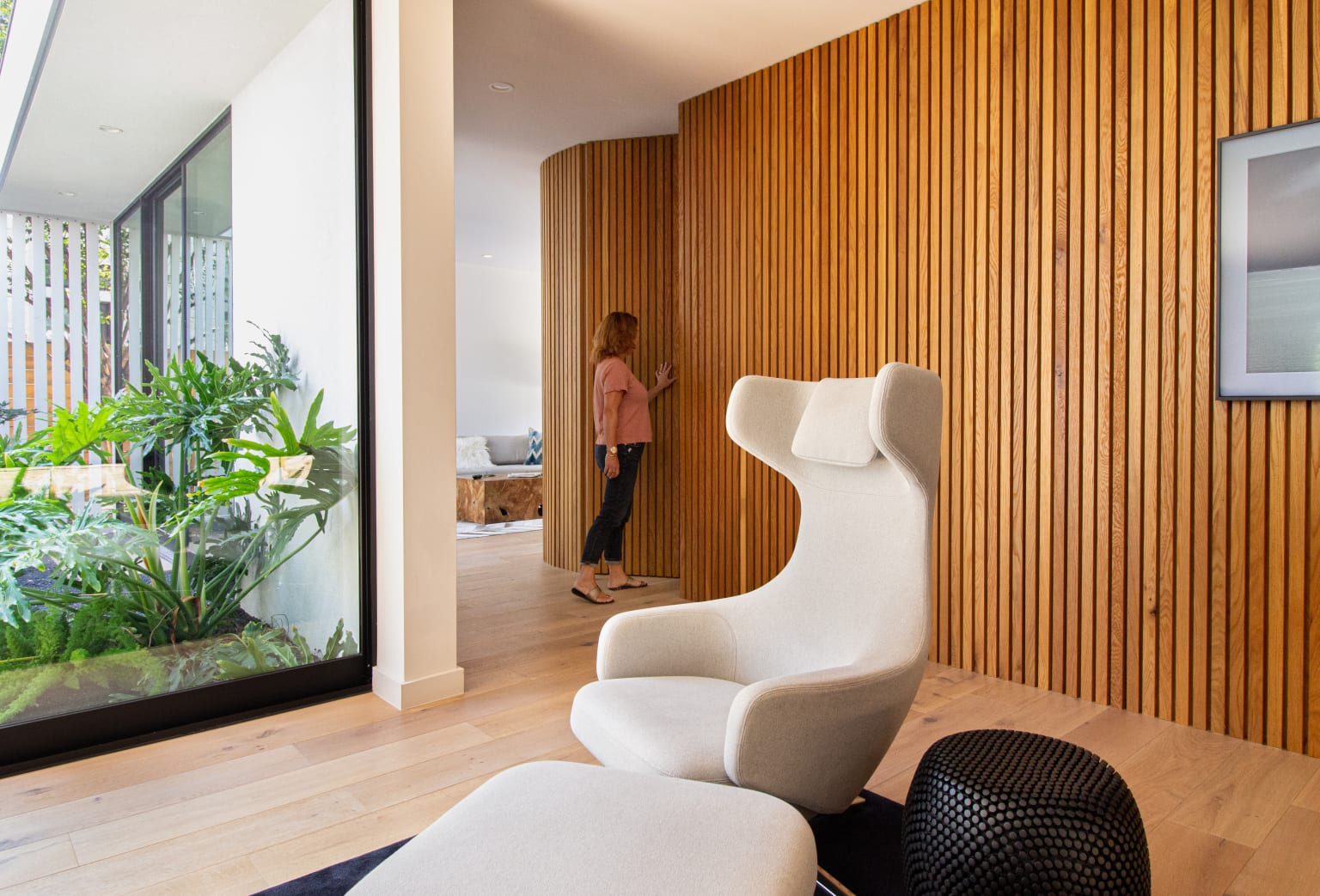 Dwell Magazine: Curve Appeal
