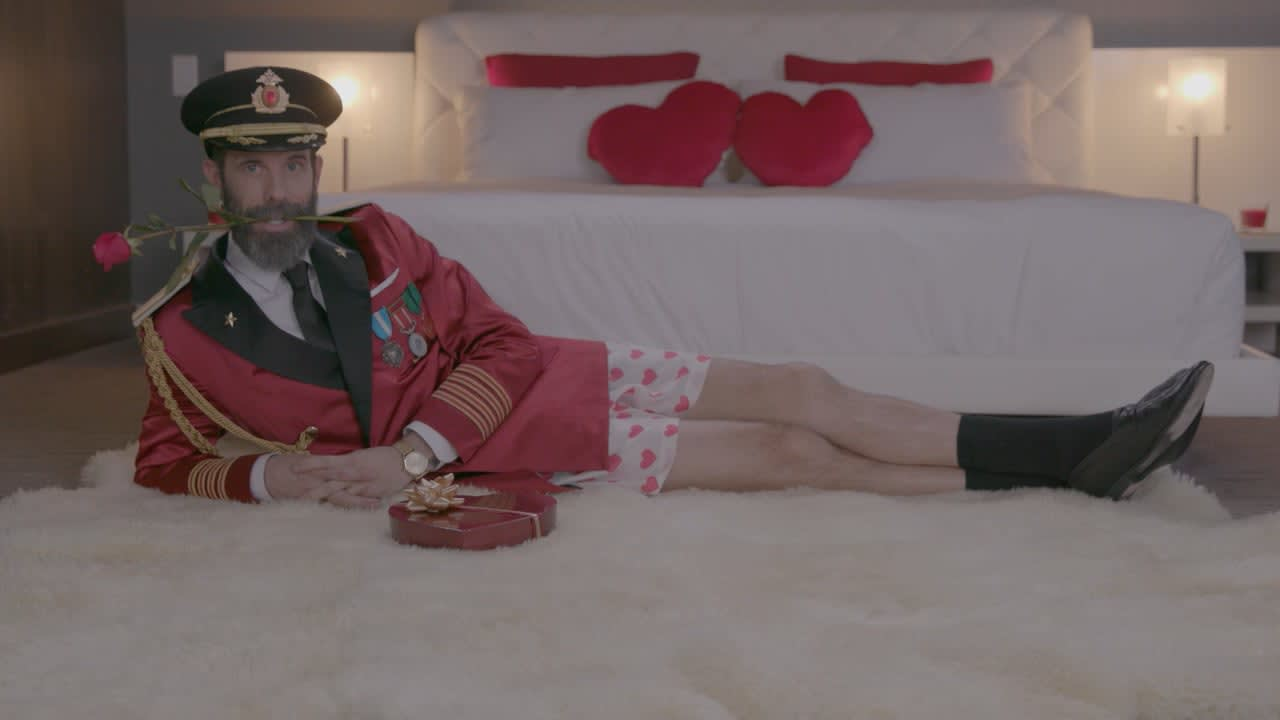 Captain Obvious - Shorts - Hotels.com