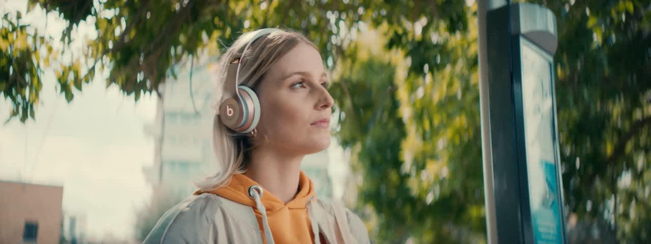 EE / Apple - Music