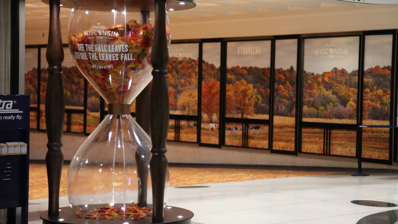 """Wisconsin Tourism """"Fall Leaves Hourglass"""""""