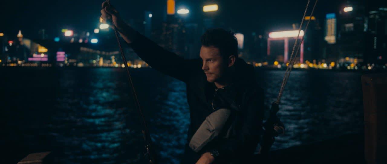 TUMI - Chris Pratt — Hong Kong