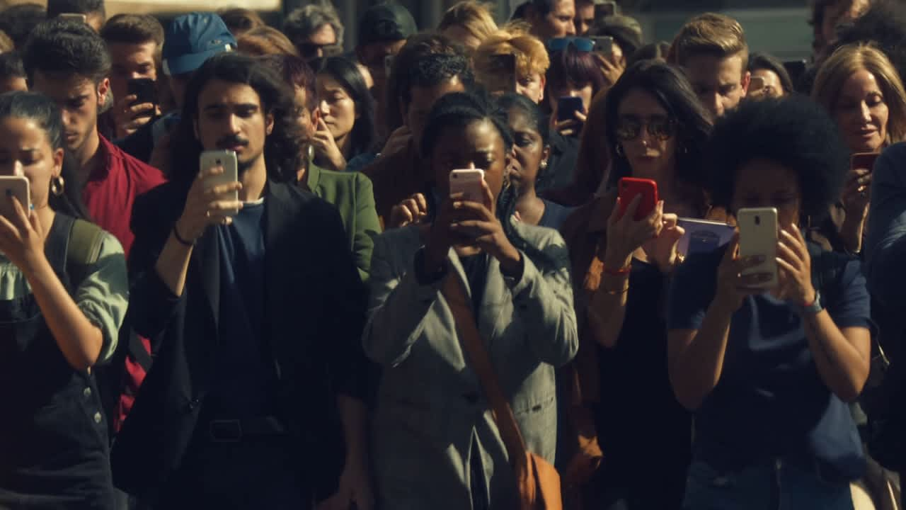 Nissan - World of Distractions