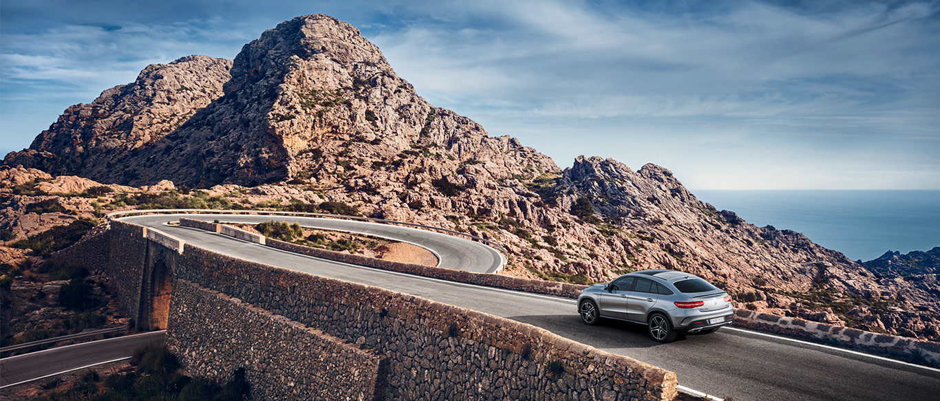INTEGRATED CAMPAIGN FOR THE MERCEDES-BENZ SUVs.