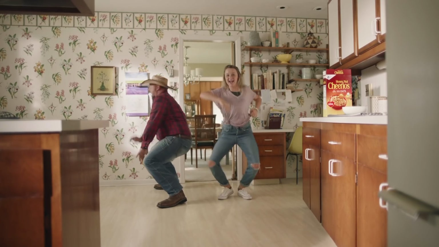 """Cheerios """"Dancing Dads"""""""