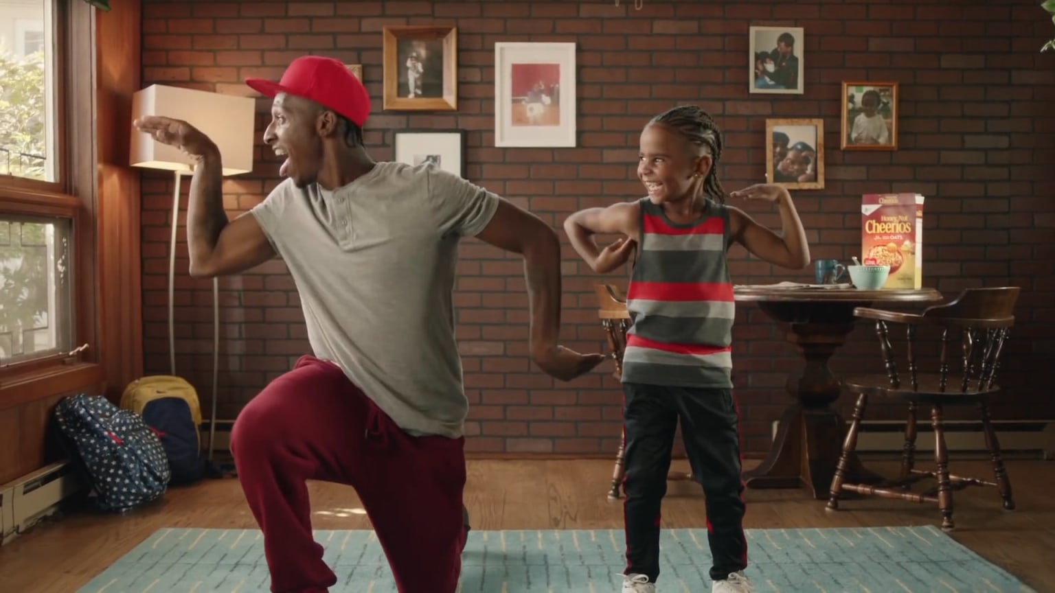 "Cheerios ""Dancing Dads"""