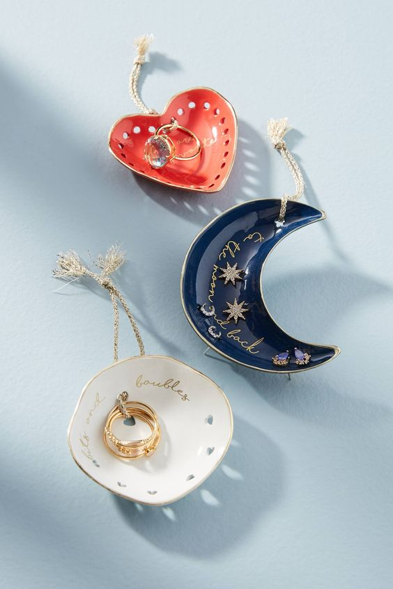 Product Design - Jewelry dish with rings & stud sets