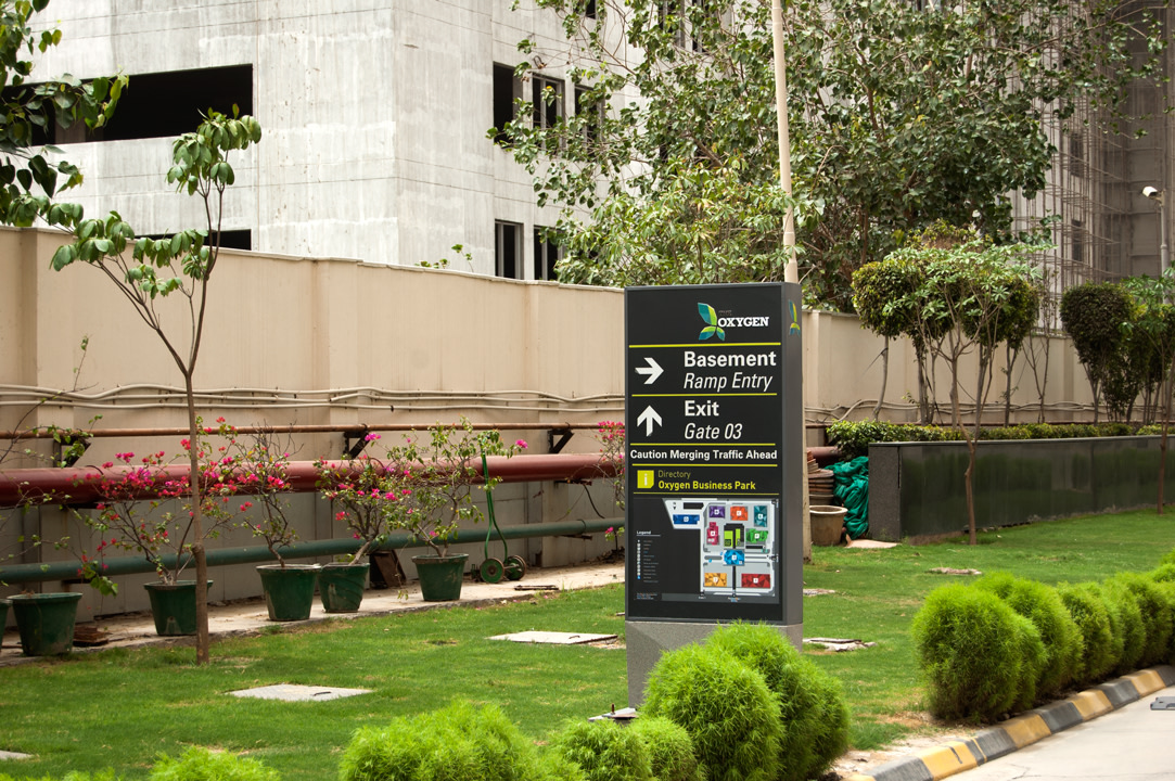 Wayfinding & Sign Design Program for IT Office Campus
