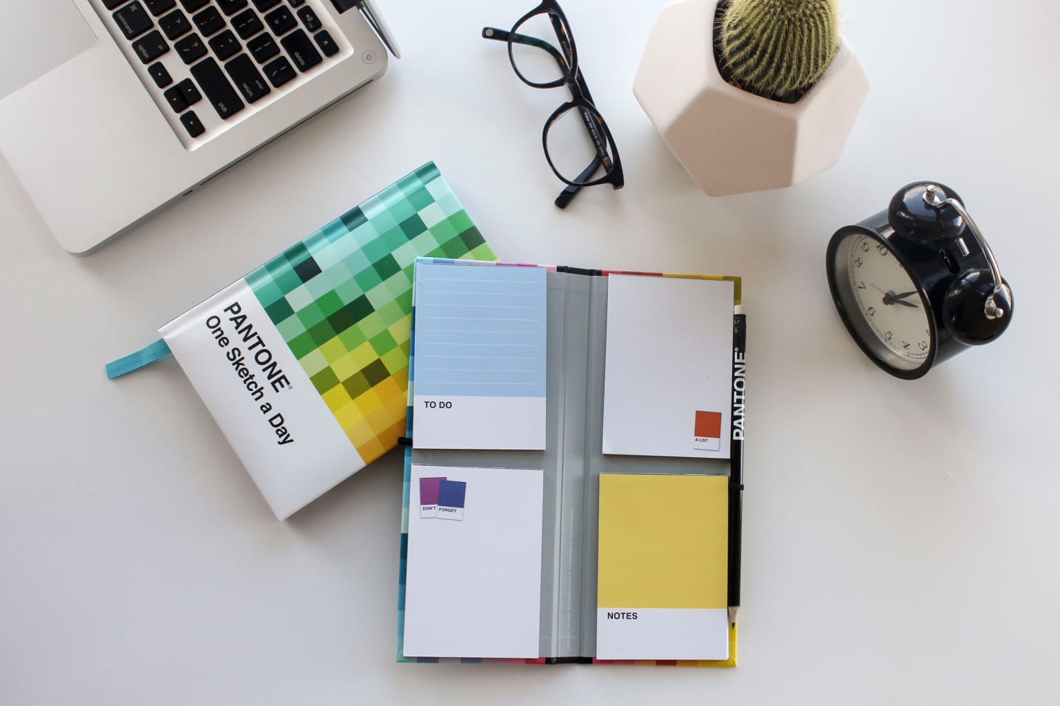 Pantone stationery products