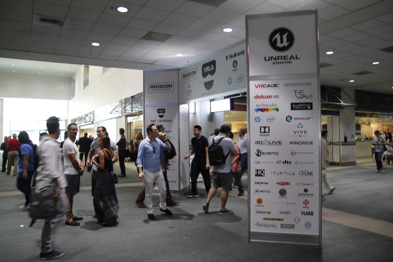 Large Scale Design - VRLA at the Los Angeles Convention Center