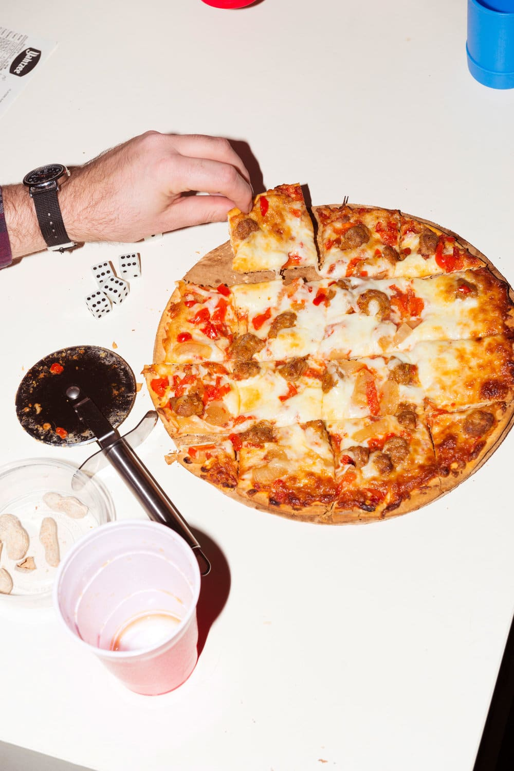 Outsiders Pizza Content