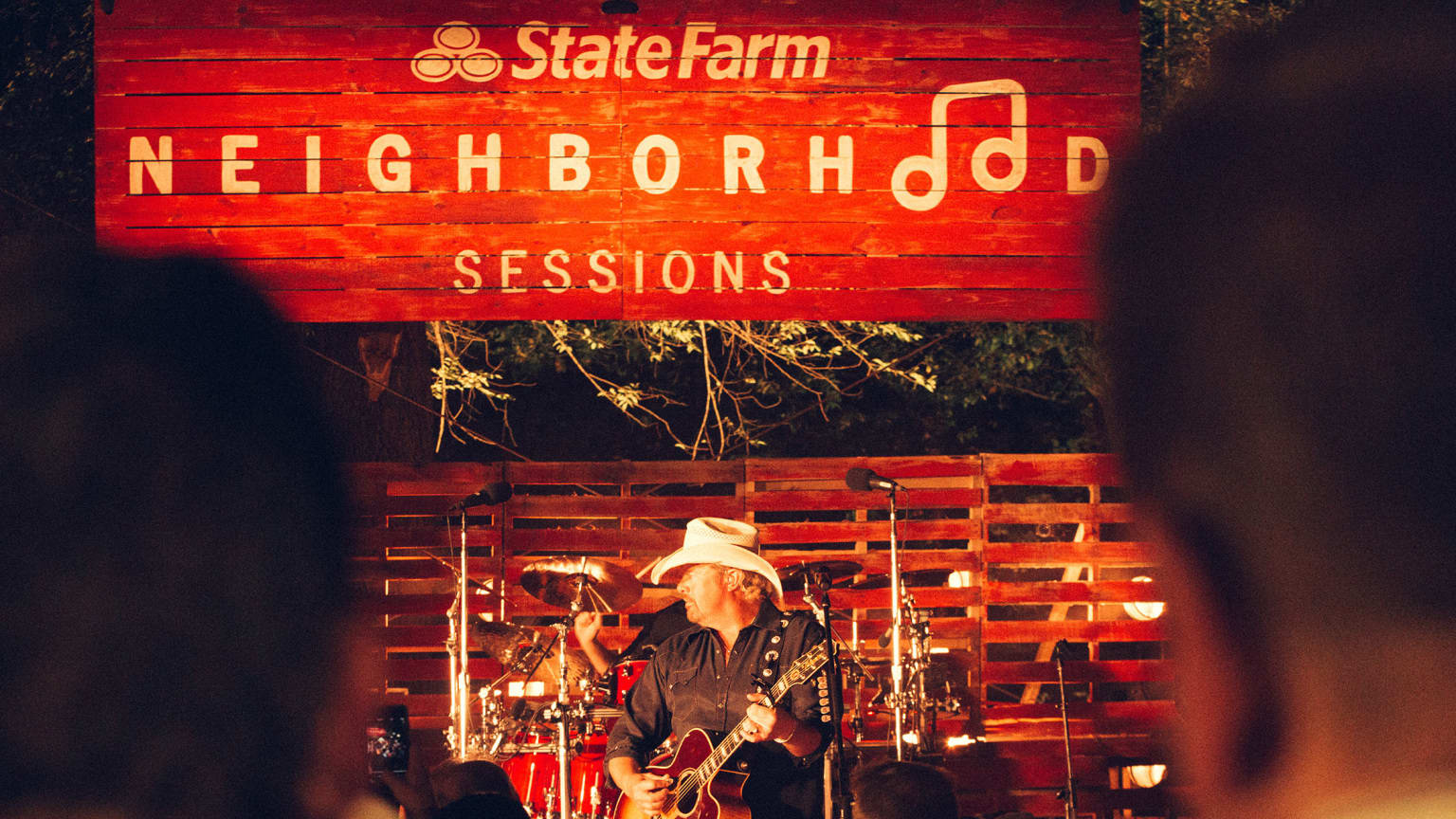 STATE FARM NEIGHBORHOOD SESSIONS - TOBY KEITH