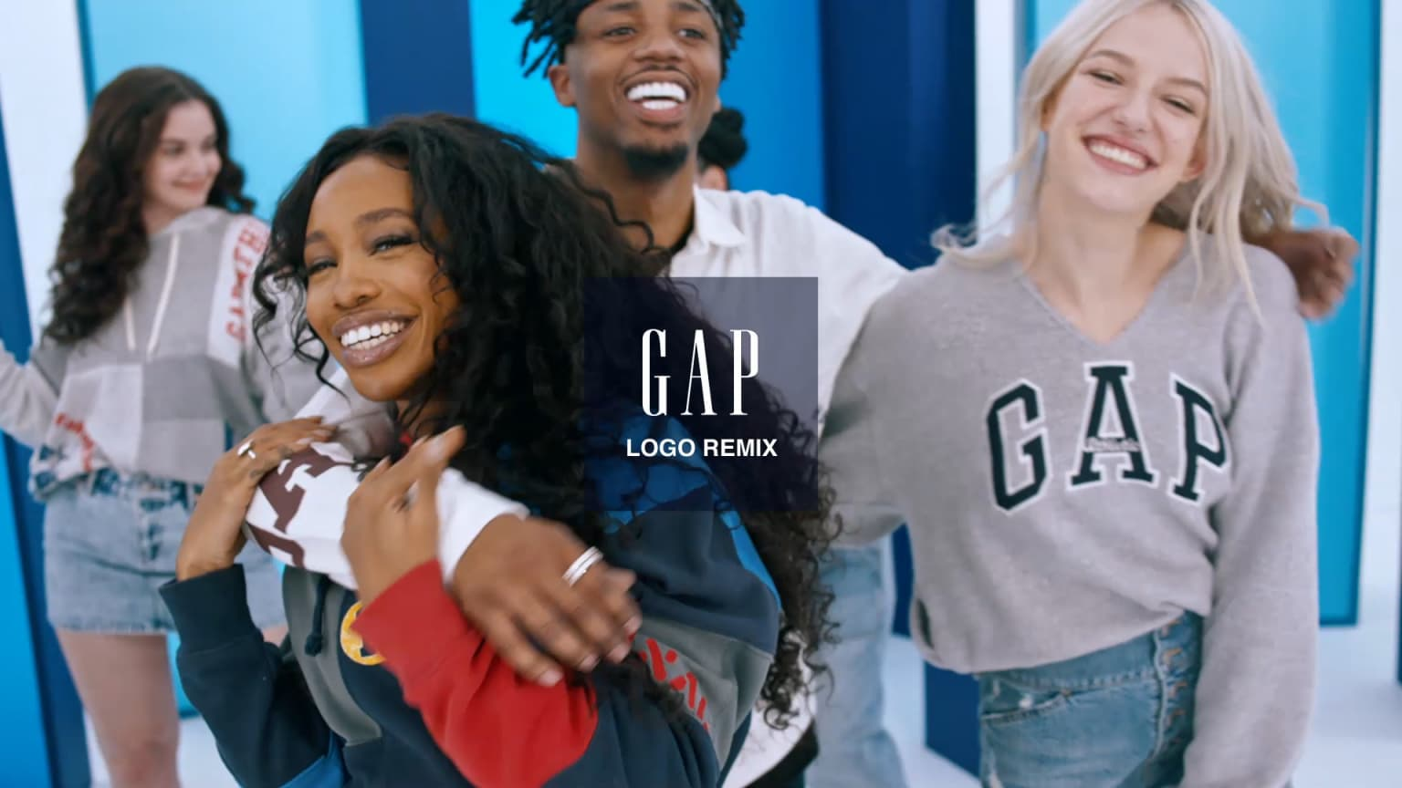 "Gap | ""Logo Remix"""