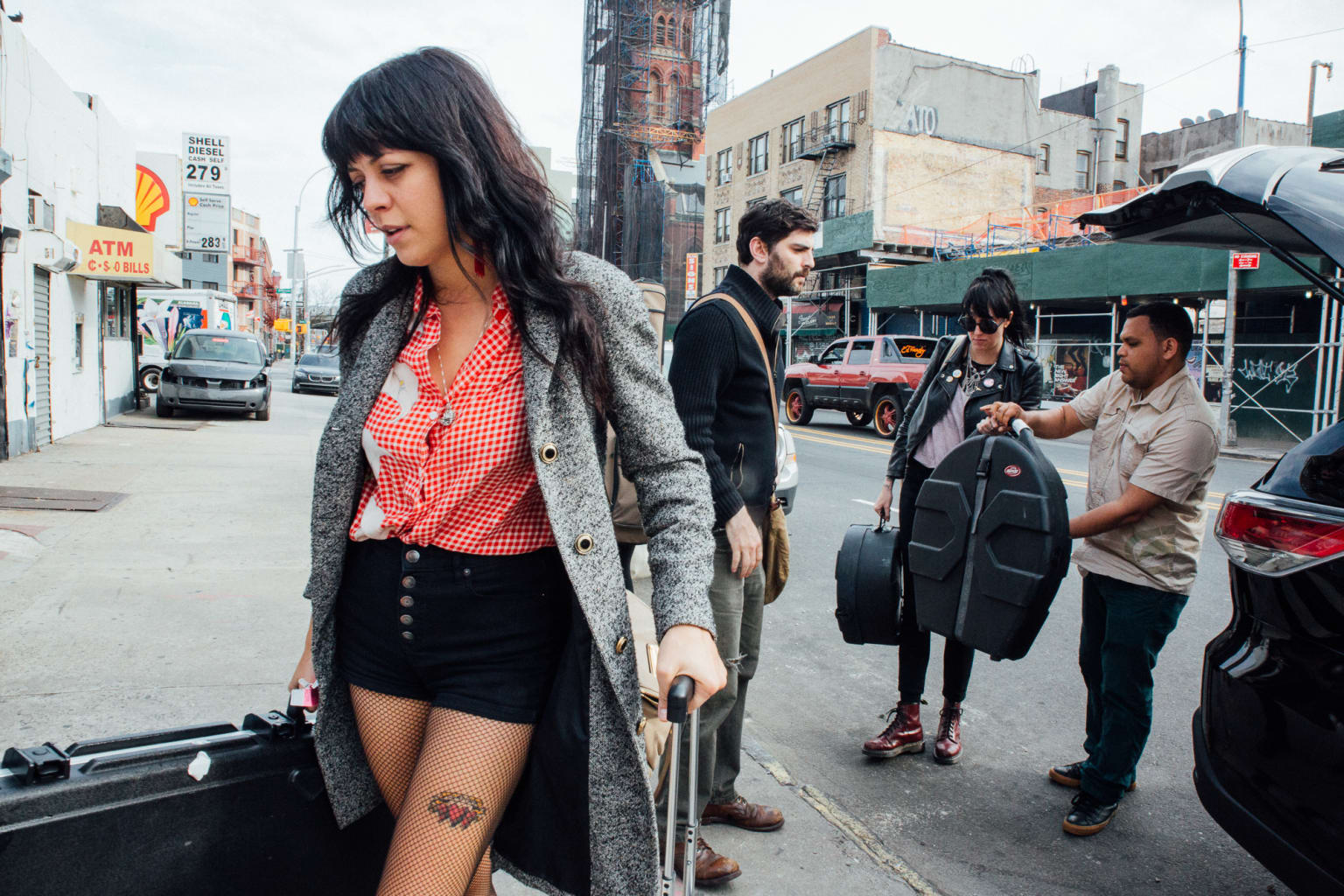 The Coathangers Spend a Nosebleed Weekend in NYC