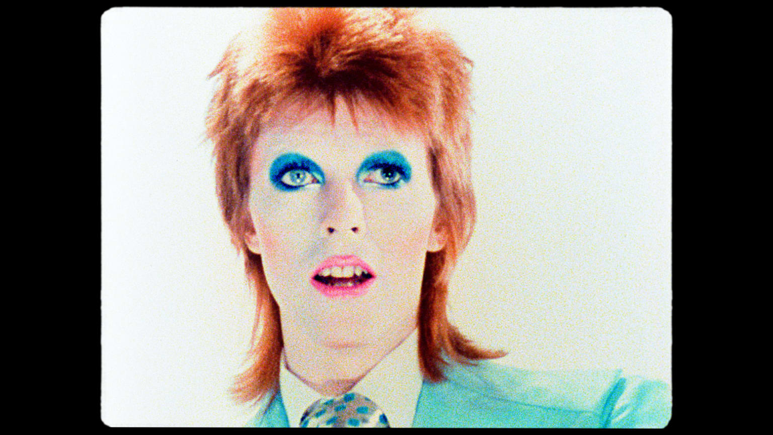 """David Bowie """"Life On Mars"""" Re-Edit with Photographer Mick Rock"""
