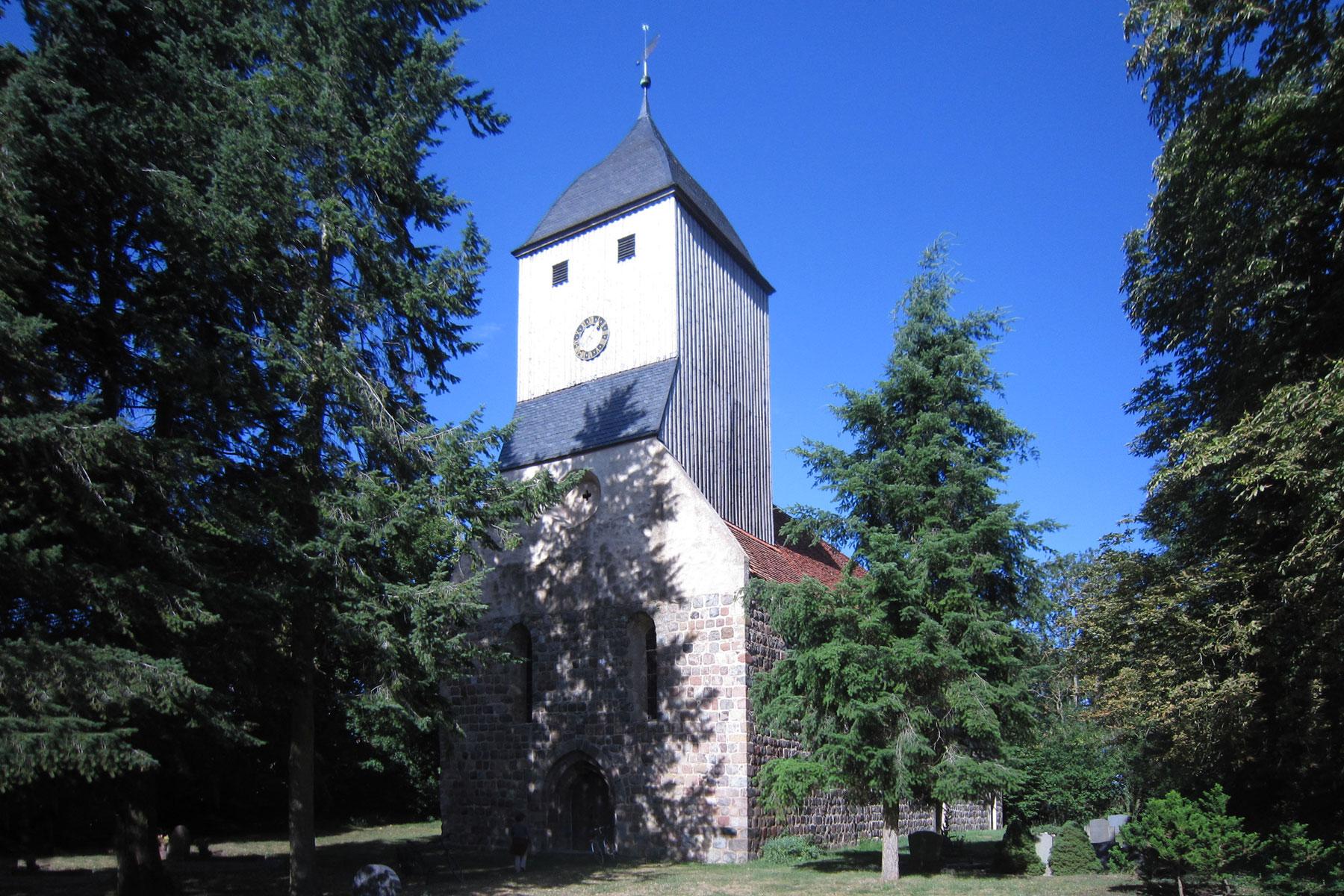 Sternhagen Kirche Feldstein