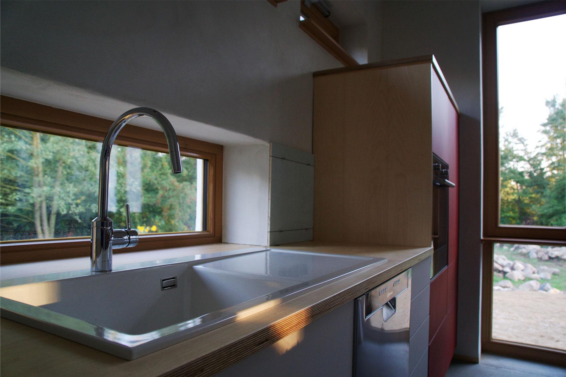 Holzrahmen Strohballen Küche