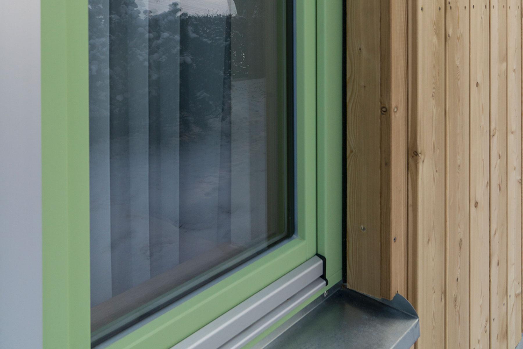 Tiny-house Holzfenster Holzschalung