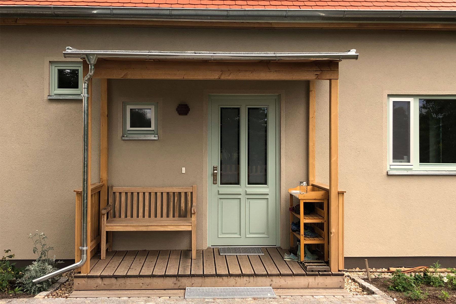 Holzrahmenbau Vordach