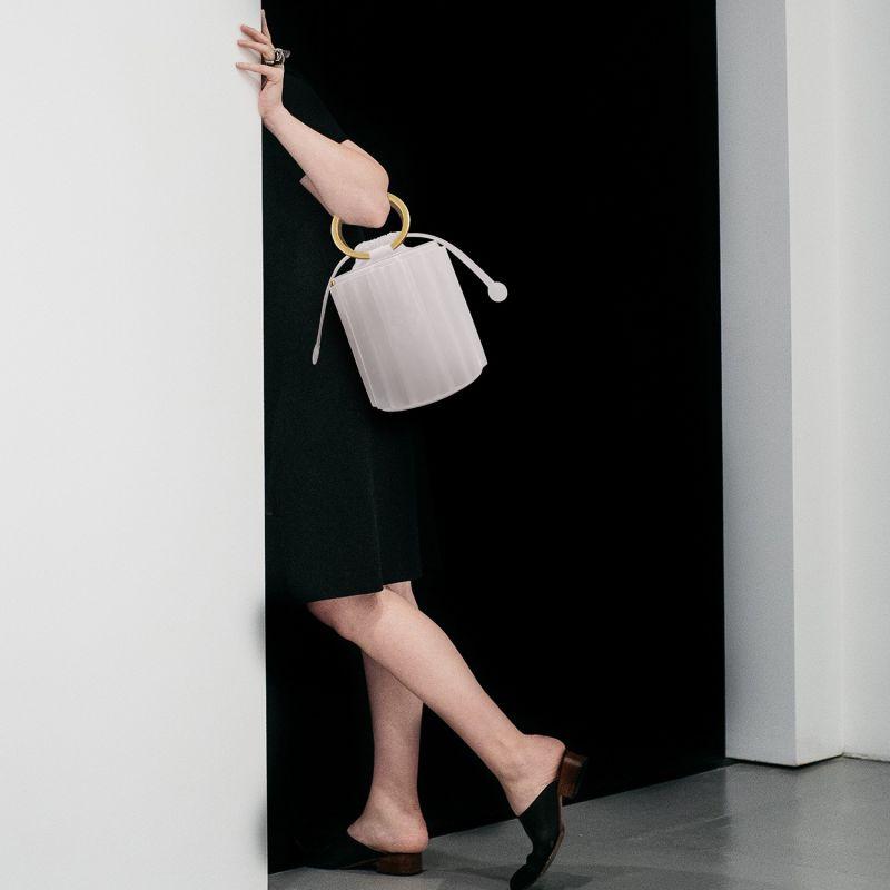 Water Metal Handle Bucket Bag - White image