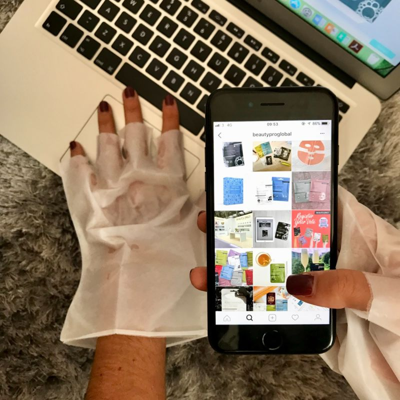 BeautyPro Hand Therapy Collagen Infused Glove With Removable Finger Tips image