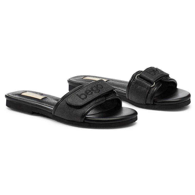 Lex Sandal In Charcoal - Pineapple Leather image