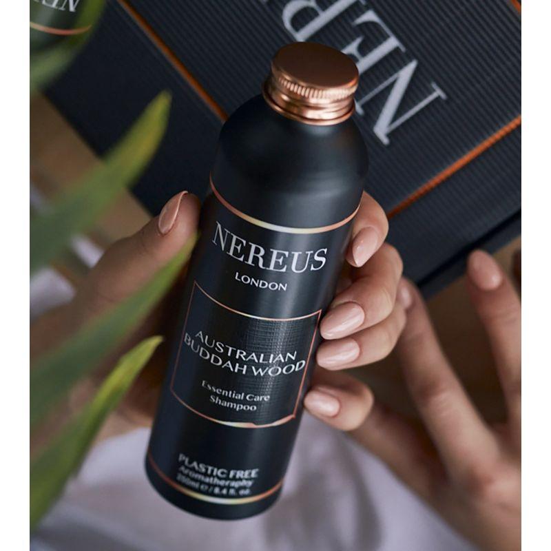Detoxing Natural Organic Shampoo image