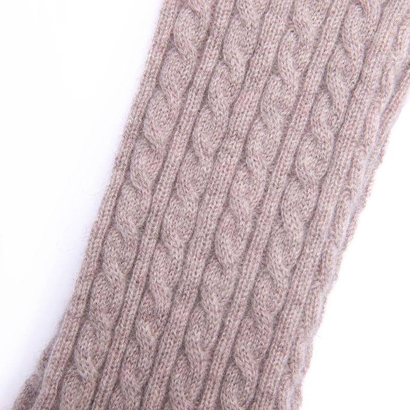 Cable Cashmere Socks - Oatmeal image
