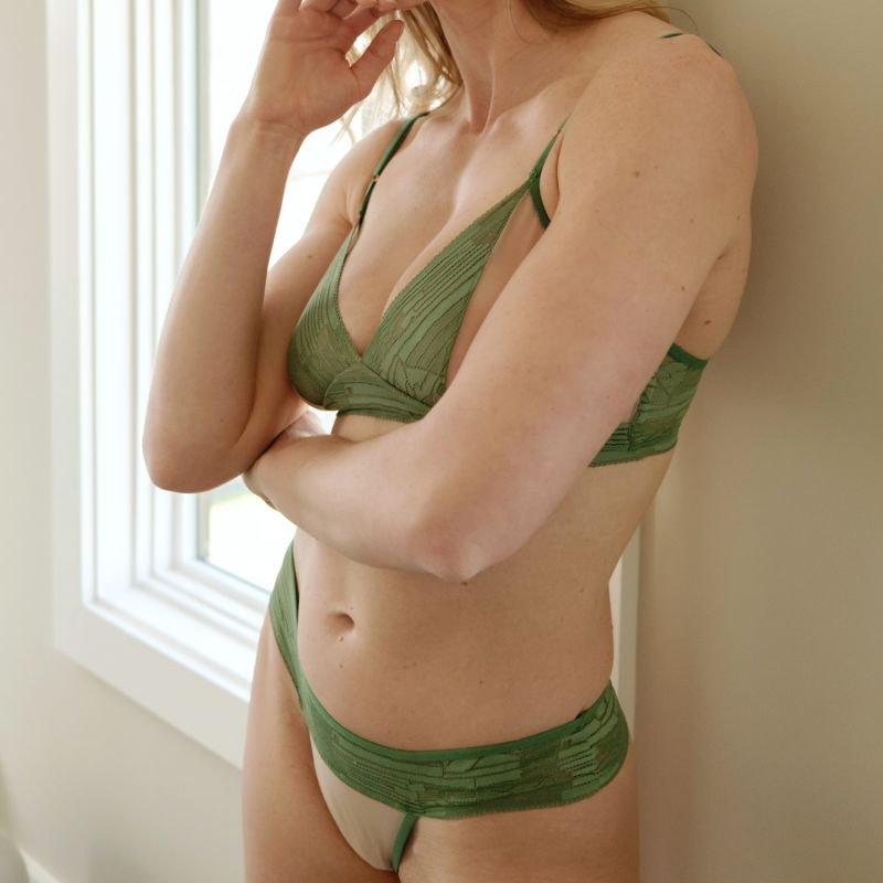 Cleopatra Green Geometric Lace & Tulle Thong image