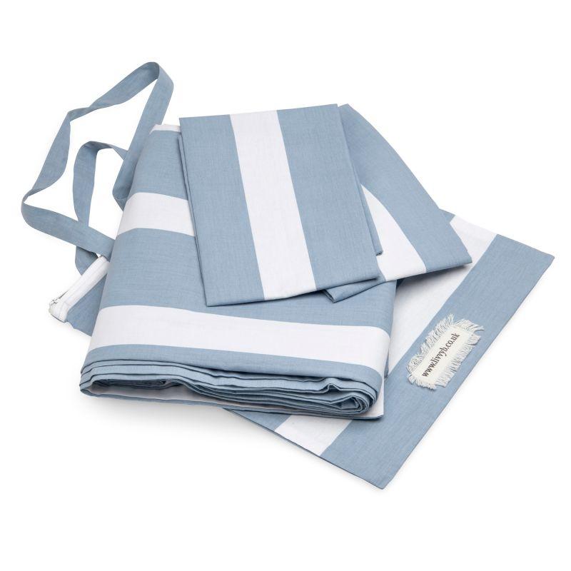 Cool Blue Horizontal Reversible Bedding Set King image