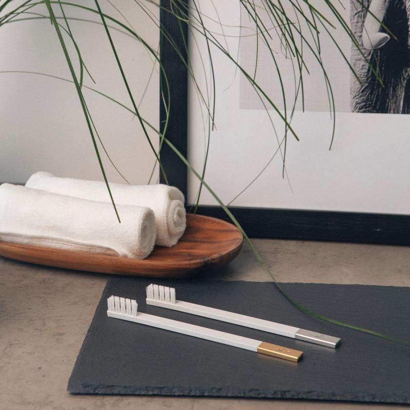 Apriori Slim White 6-Pack Medium Toothbrush Set image