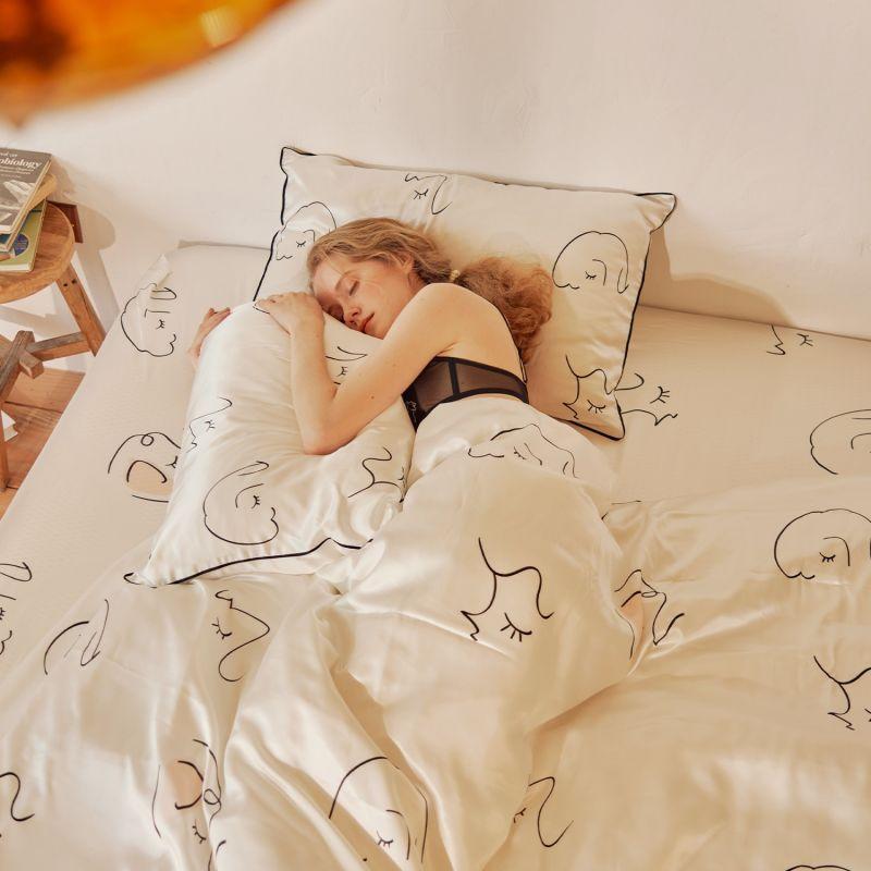 The Dream Silk Bedding Silk Bedding 4-Piece Set image