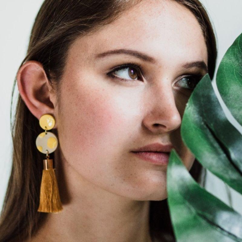 Metis With Silk Tassel image