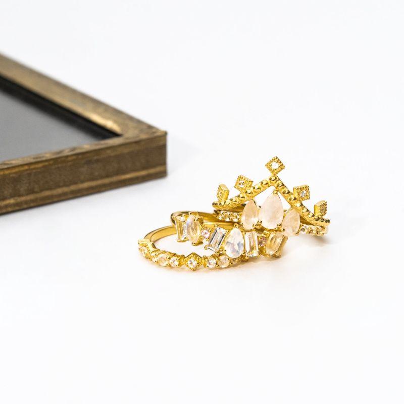 Juliette III In Gold image