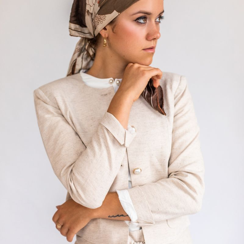 Linen Short Blazer With Nacre Buttons image