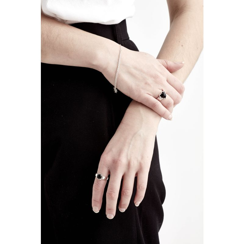 Love Claw Ring Onyx image