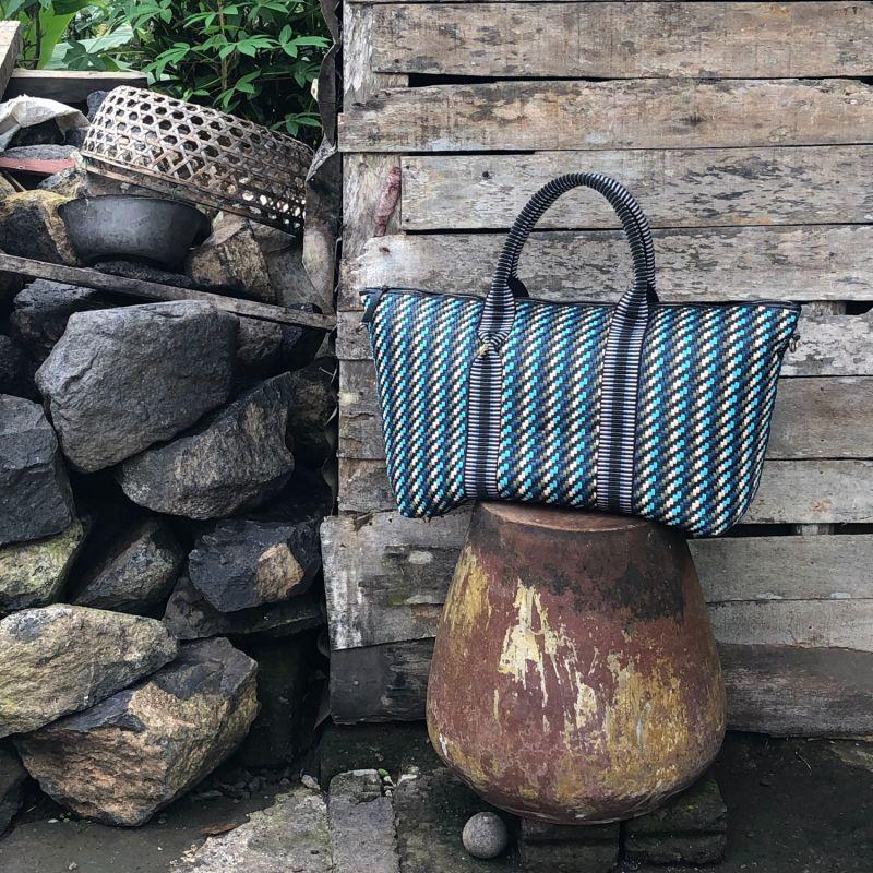 Saroka Weekender Bag - Forest image