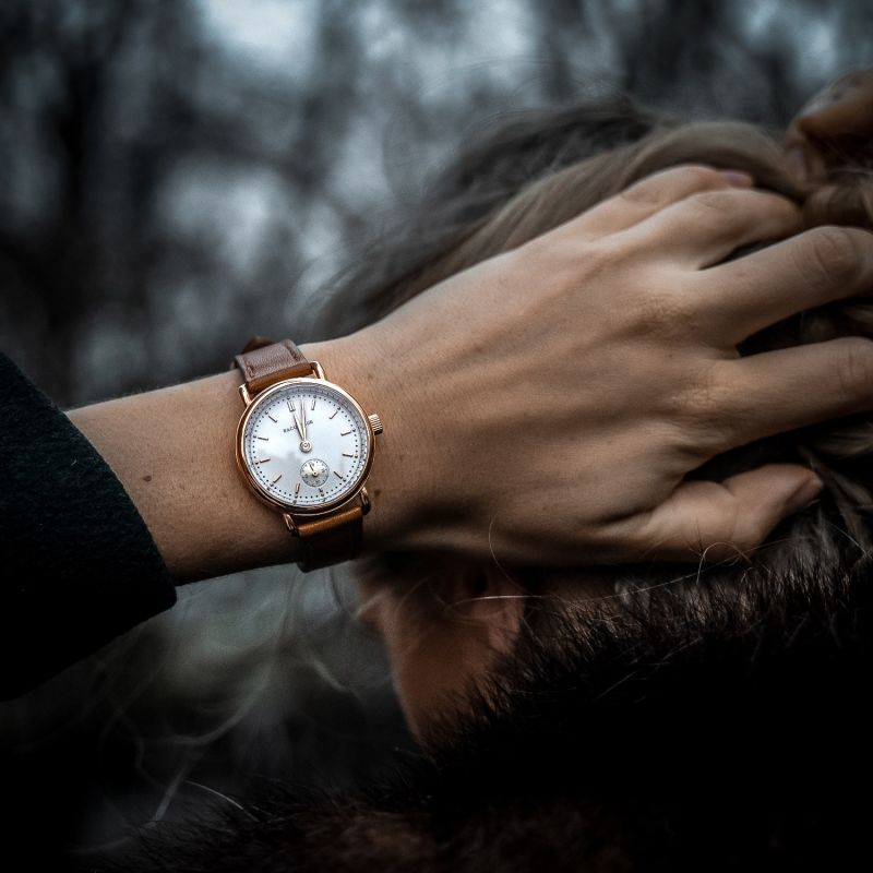 Earhart Rose Gold White - Black Leather image