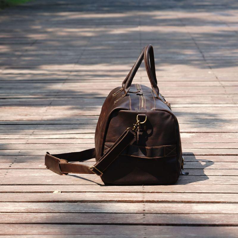 Vintage Look Leather Weekend Bag In Dark Brown image