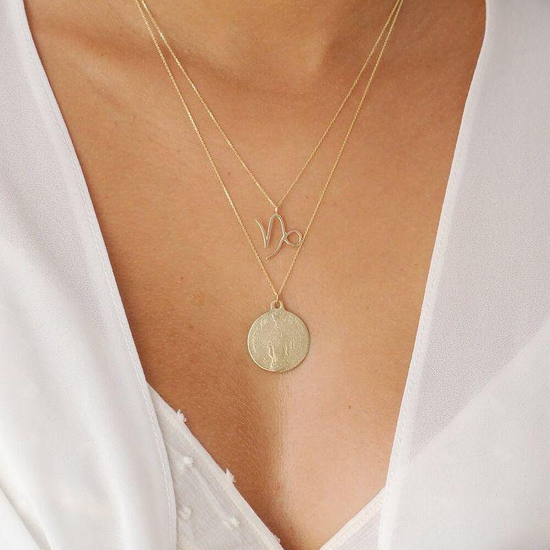 9ct Gold Unisex Large Medallion Necklace image