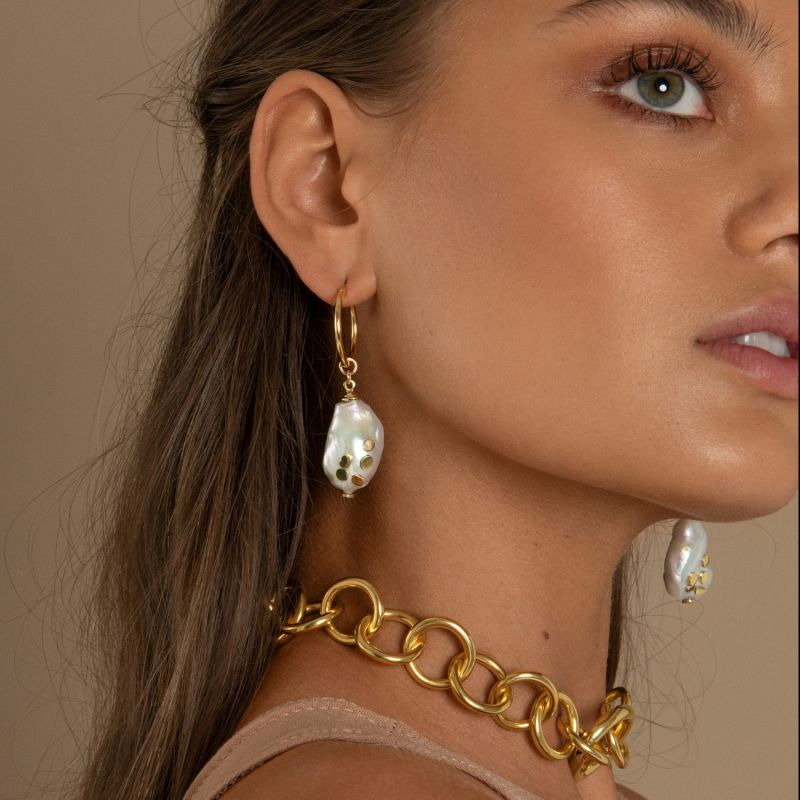 Nudo Thick Gold Chain Choker Necklace image