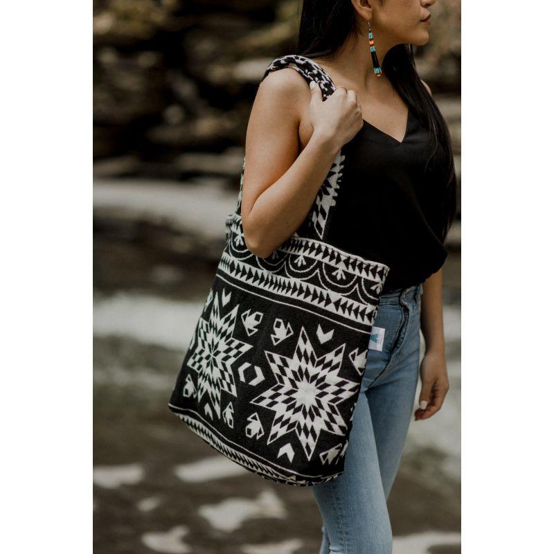 Star Everyday Bag in Black image