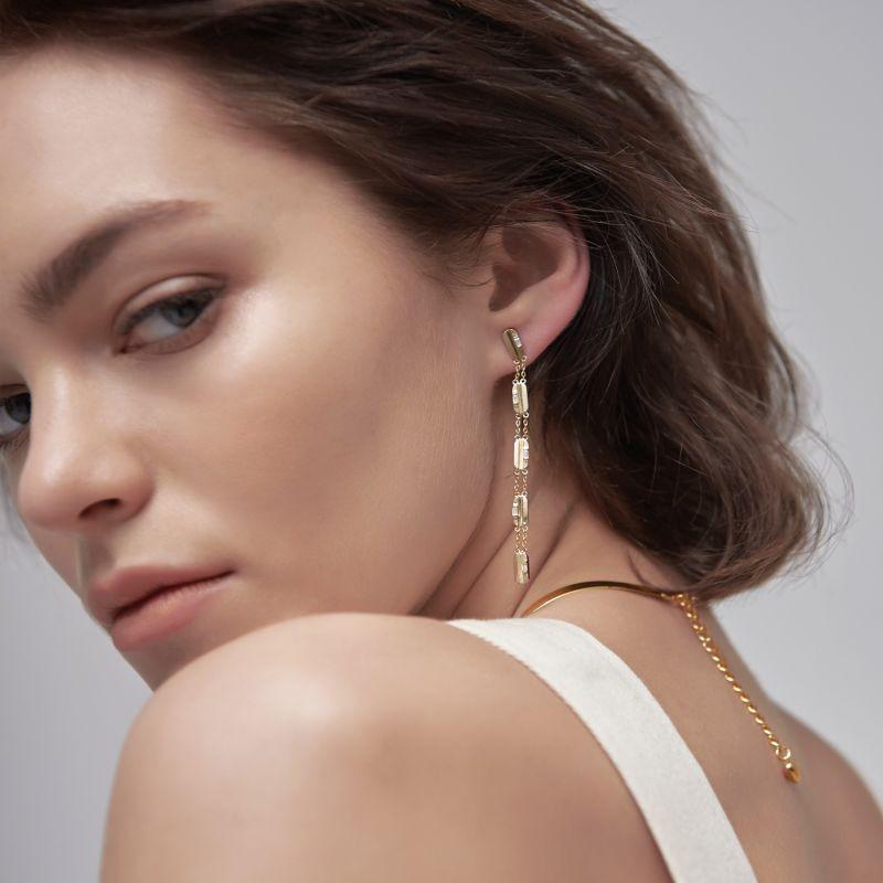 Charming 2Way Hoop Earrings White image