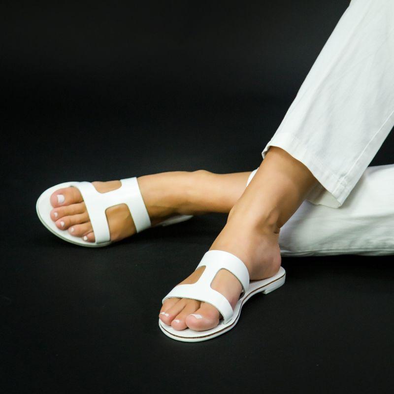 Slides Bia White image