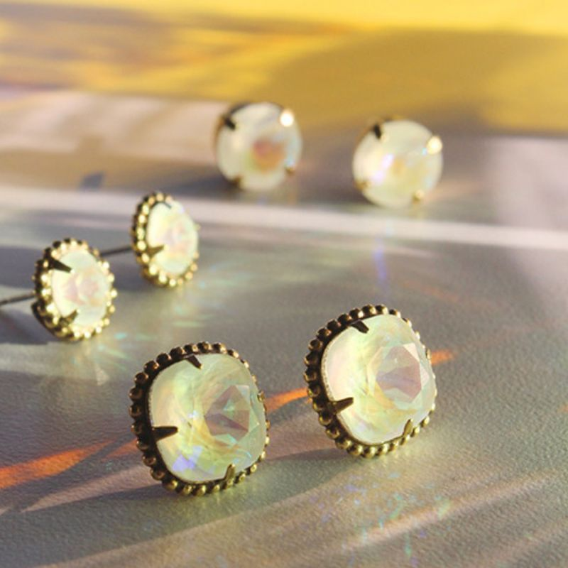 Cushion-Cut Solitaire Stud Earrings - Antique Gold Ultra White image