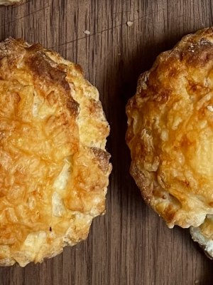 Mabes Makes: Easy Cheese Scones