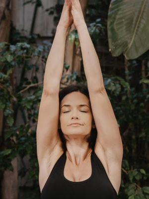 The Five Best Yoga Poses To Stimulate Energy