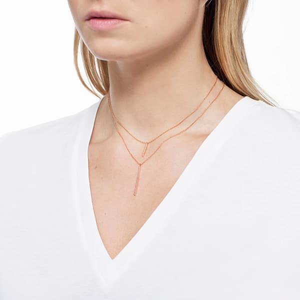 Astrid & Miyu Hold On Small Bar Necklace in Rose Gold