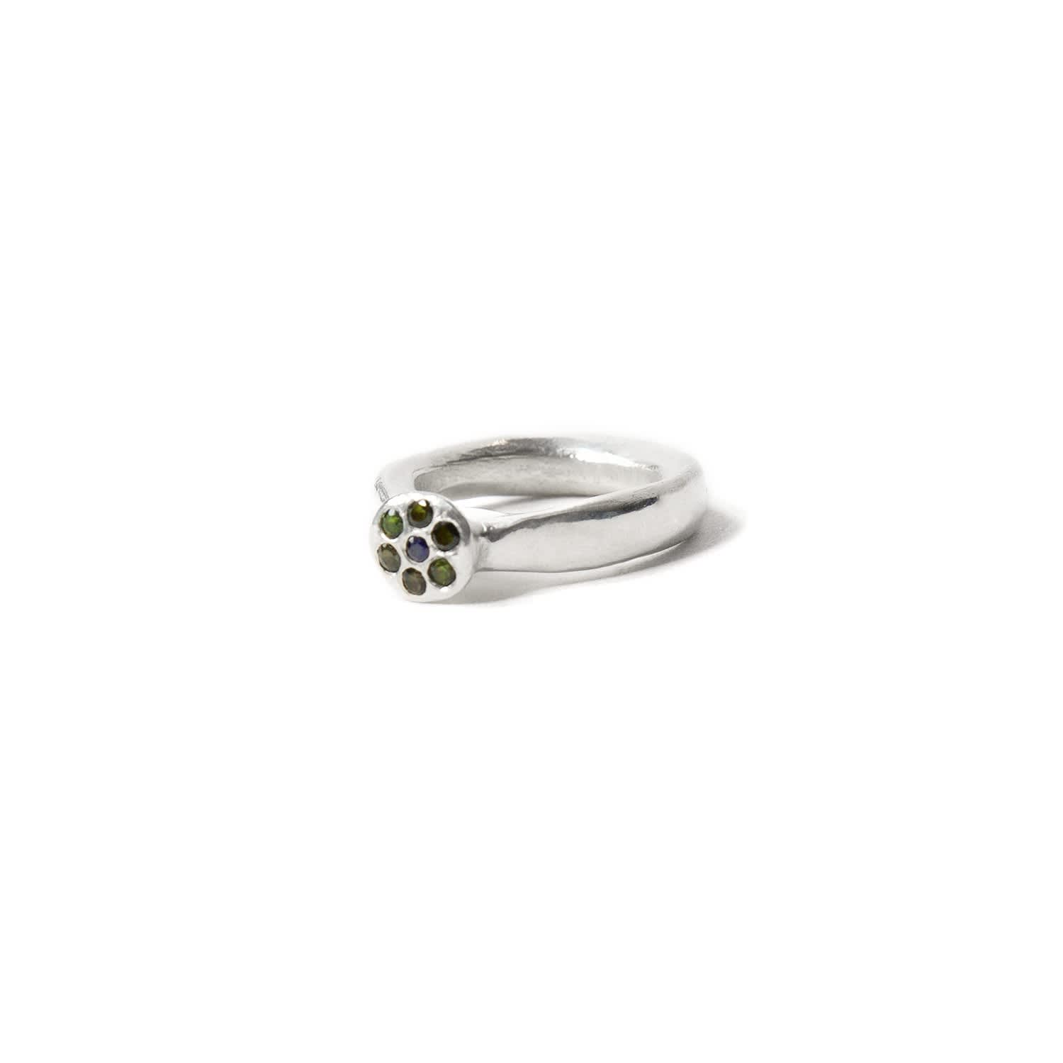 Daisy flower ring lyla maria wolf badger daisy flower ring image izmirmasajfo Image collections