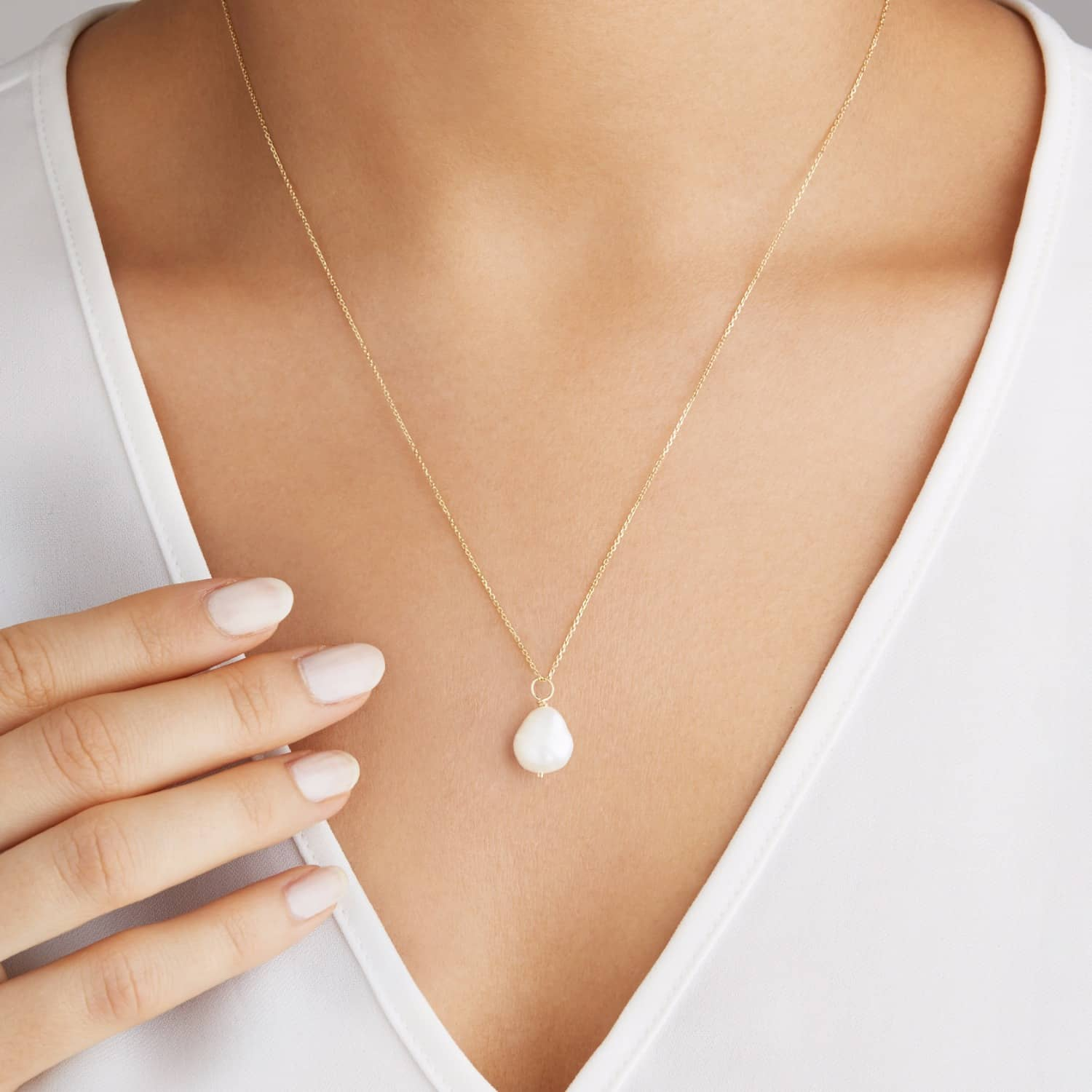 Gold Large single Pearl Necklace by Lily & Roo